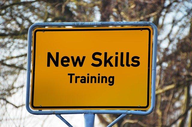 継続的なトレーニングの大切さ!離職率で大きな差が出る研修体制!